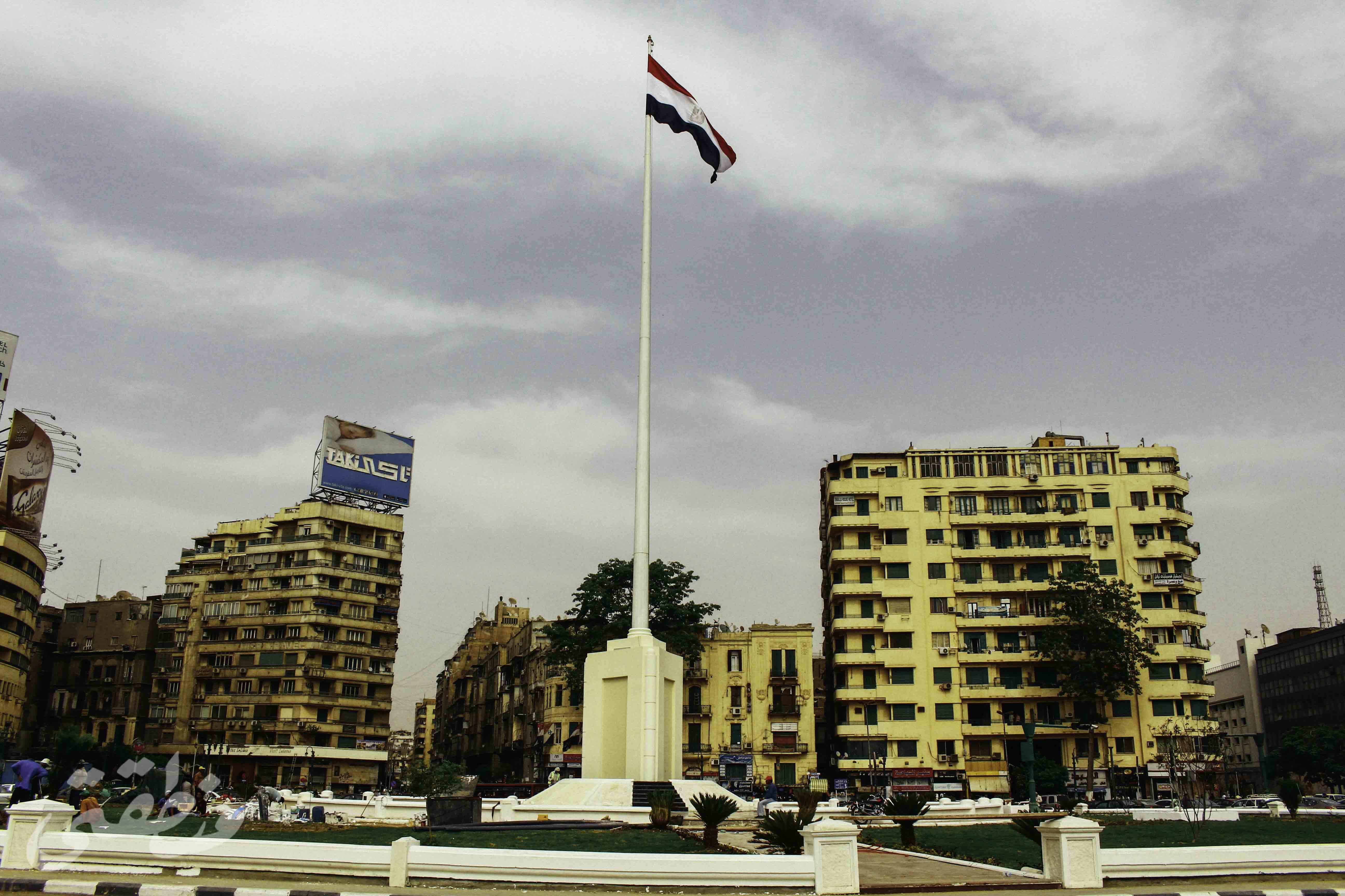 ساري علم مصر بميدان التحرير - تصوير: صديق البخشونجي