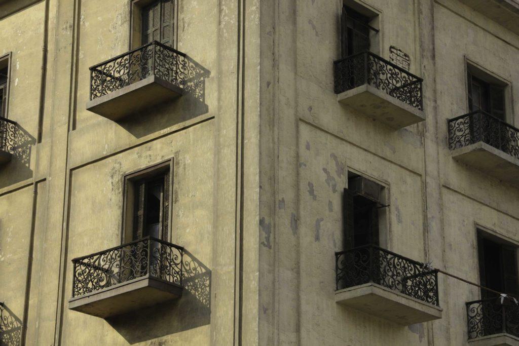 شرفات فندق الكونتيننتال - تصوير - صديق البخشونجي