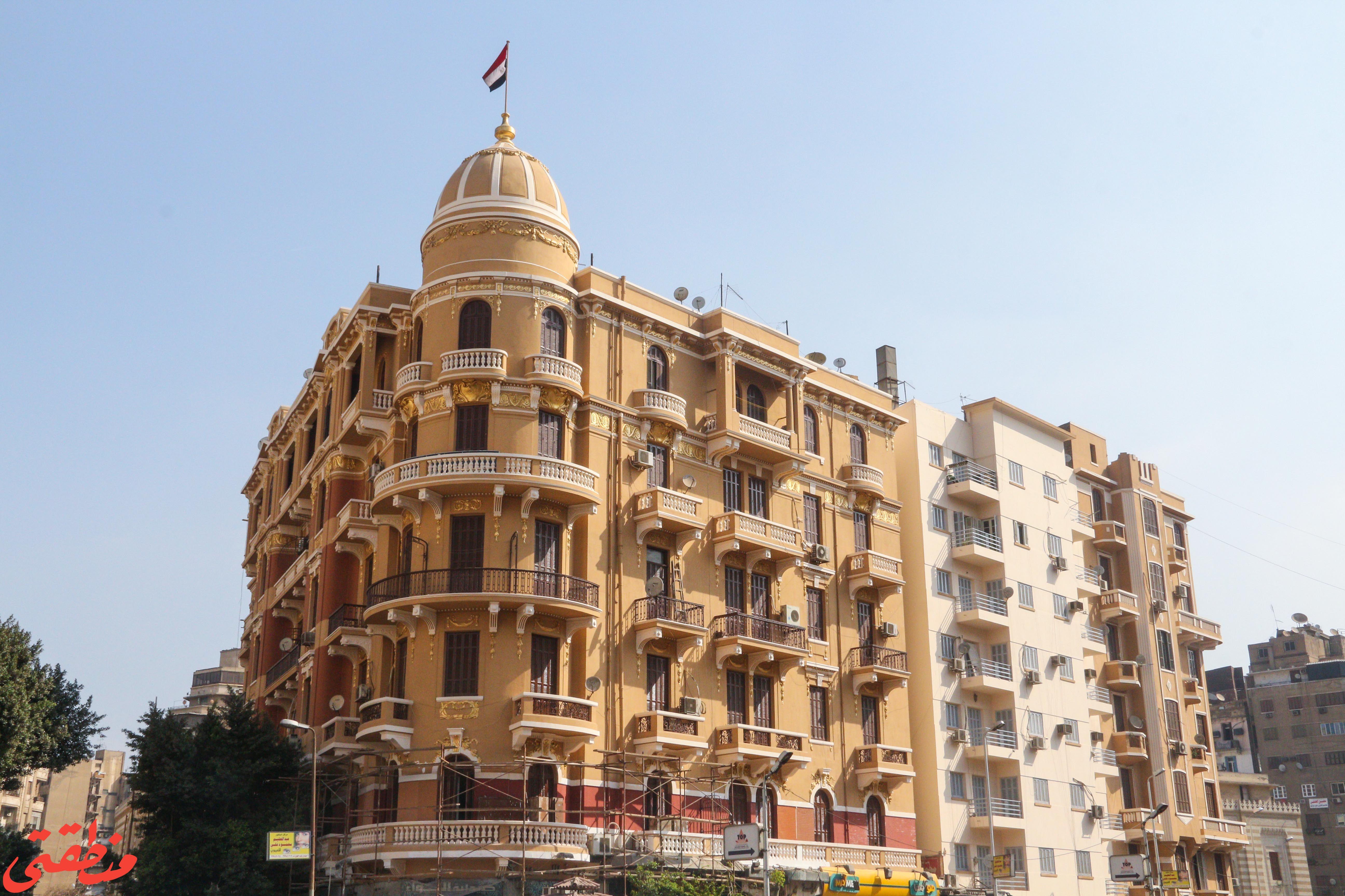 علم مصر أعلى العقار رقم 1 شارع مظلوم - تصوير: صديق البخشونجي