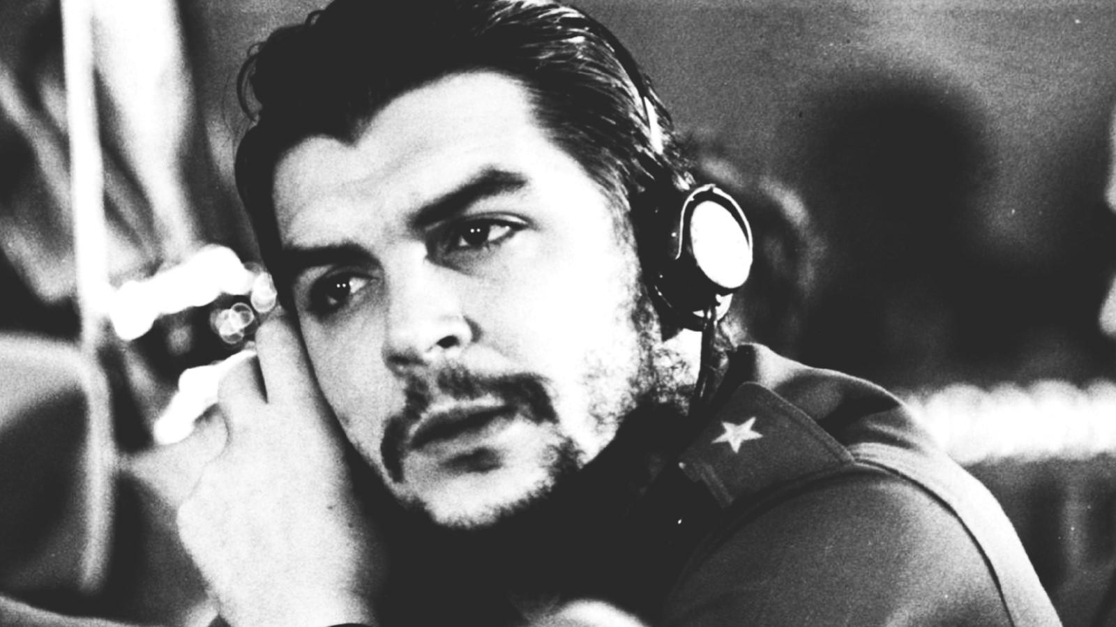 الزعيم الكوبي إرنستو جيفارا