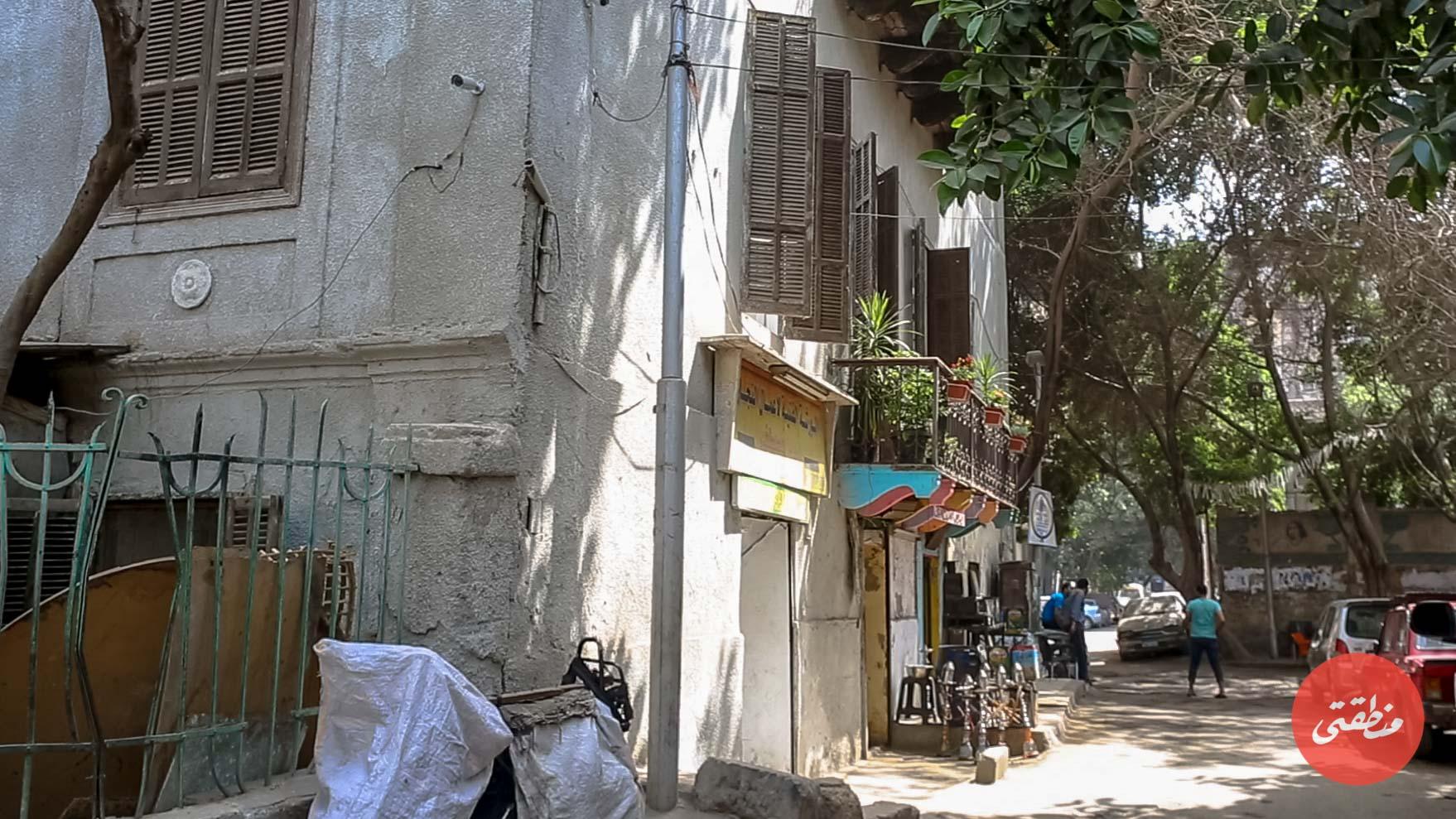 يسارً مبنى تاون هاوس جاليري بعد ترميمه - تصوير: عبد الرحمن محمد