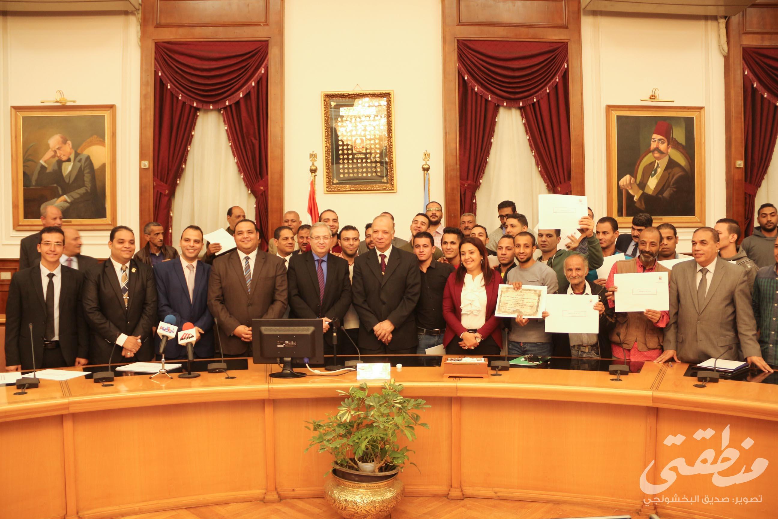 بحضور الدكتورة ريهام عرام رئيس لجنة الحفاظ على التراث، ومحافظ القاهرة، والدكتور حسام الرفاعي عميد كلية سياحة وفنادق جامعة حلوان.