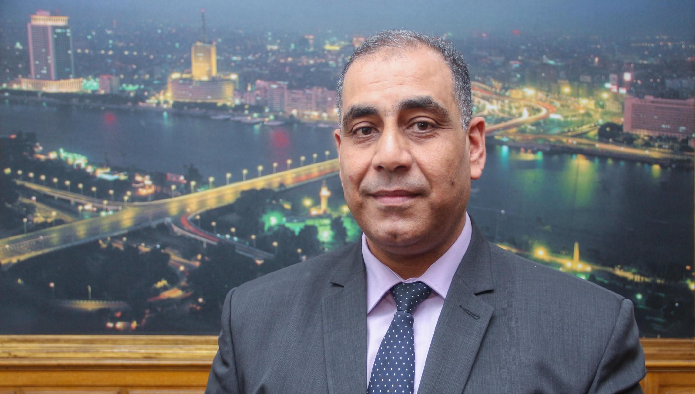 اللواء محمد حنفي الرئيس الجديد لحي عابدين - تصوير صديق البخشونجي