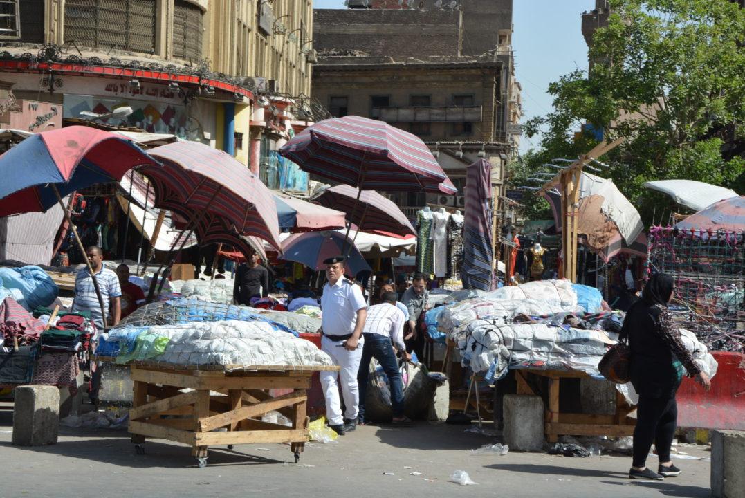 محافظة القاهرة تطلق حملة إزالة بميدان العتبة