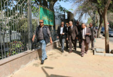 محافظ القاهرة أثناء جولته بحي الزمالك