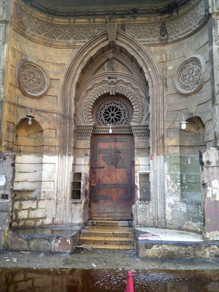 مبنى سبيل وكُتَّاب أم محمد علي باشا بعد اندلاع حزيق بالقرب منه الشهر الماضي