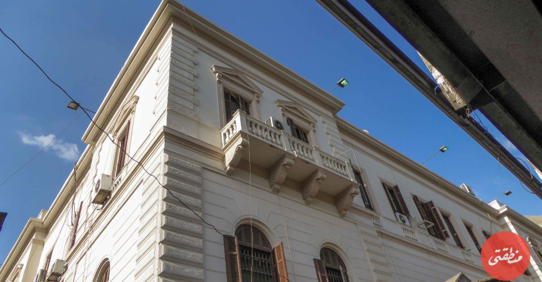 المقر الرئيسي لمديرية الشئون الصحية التابعة لوزارة الصحة. المبنى مميز جدا معماريا، لكنه للأسف يكاد يختفي خلف كوبرى الأزهر.تصوير - ميشيل حنا