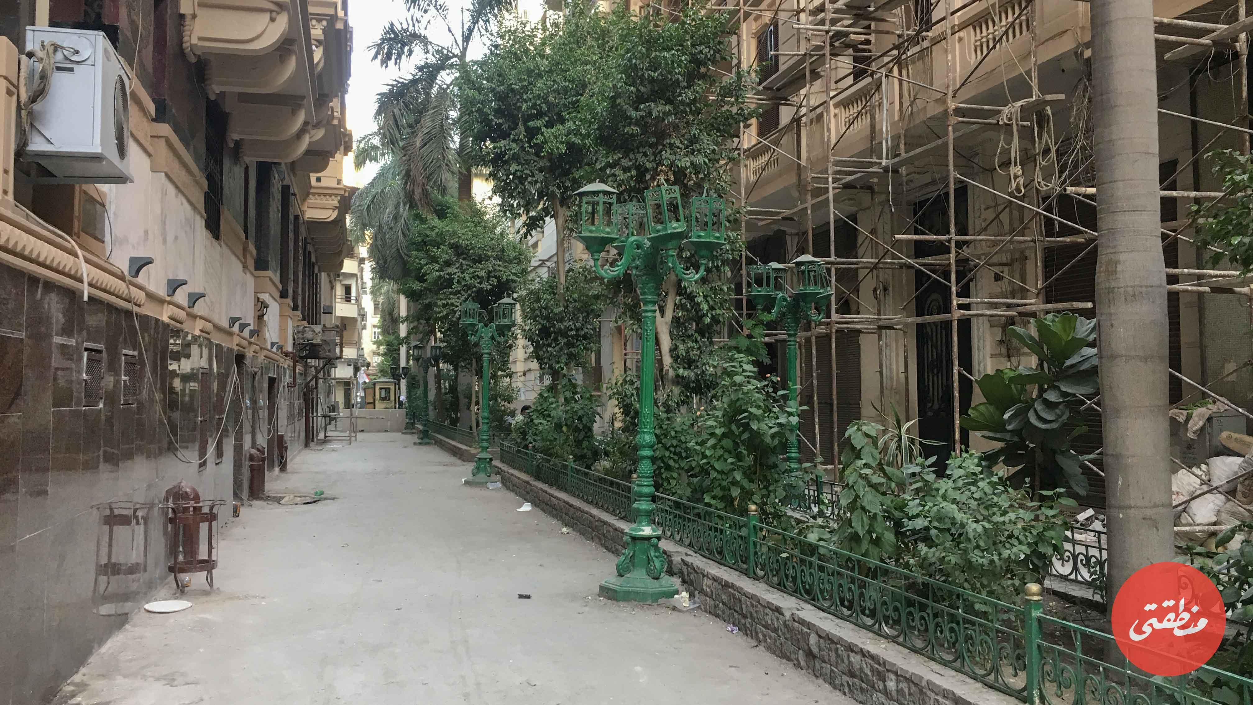 لايزال محيط فندق كوزموبوليتان في منطقة البورصة ينتظر التمويل لإعادة تطويره