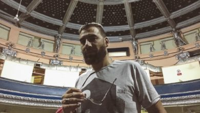 المخرج والمنتج محمد هاشم في مسرح نجيب الريحاني - تصوير - كريم منير