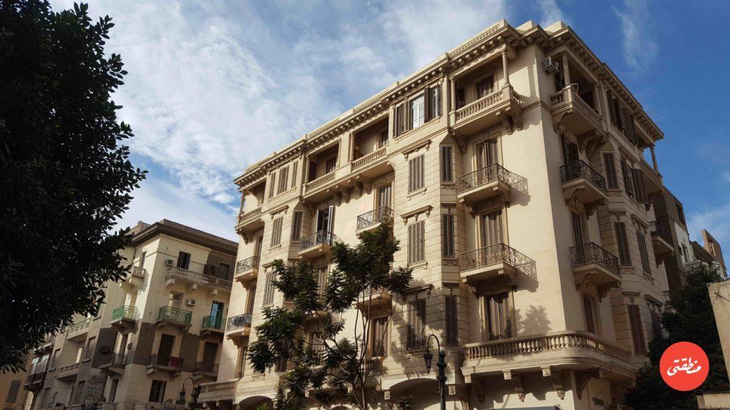 احد عقارات حي جاردن سيتي المطلة على شارع القصر العيني - تصوير - ميشيل حنا
