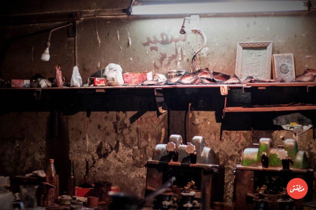 ورشة صناعات عدسات النظارات يدويًا في عابدين- تصوير - أحمد جمال
