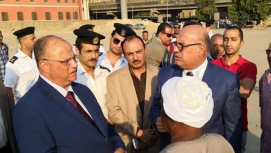 اللواء إبراهيم عبد الهادى نائب المحافظ والمهندس سيد عب الفتاح ومحافظ القاهرة اثناء تفقدهم مثلث ماسبيرو