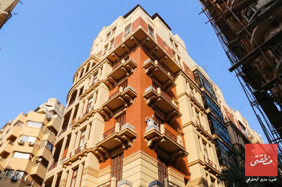 فندق كوزموبليتان بعد تطوير واجهاته- تصوير صديق البخشونجي