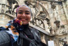سلمى طارق- صاحبة فكرة إعادة تصميم لافتات المحلات بوسط البلد